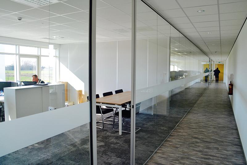 Volglaswanden MTM Nijmegen